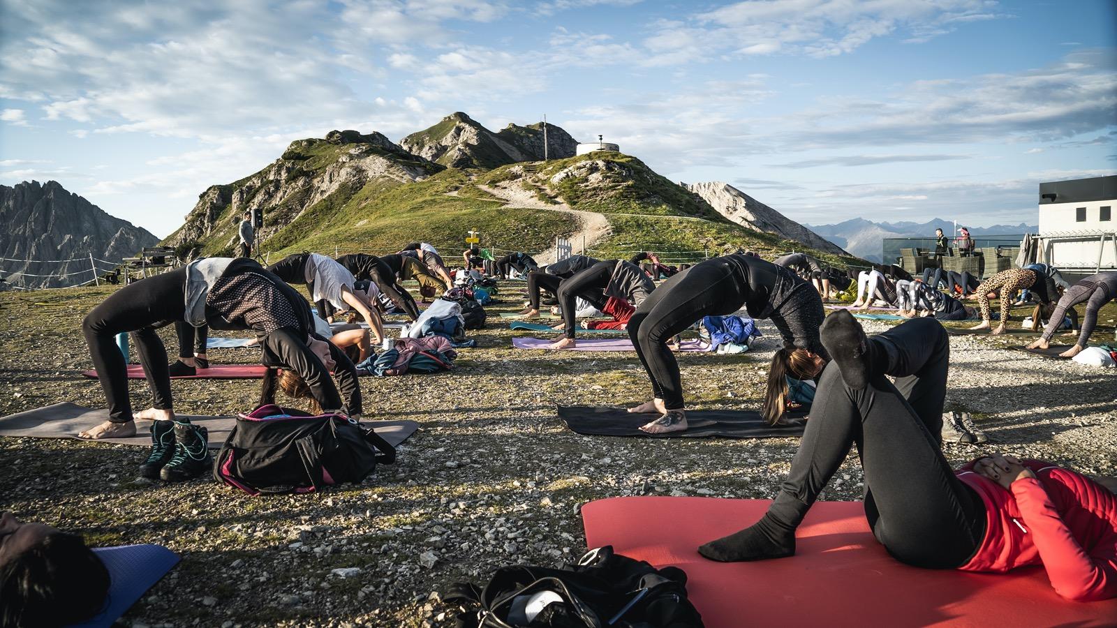 Seefeld, Yoga am Seefelder Joch, Foto: Olympiaregion Seefeld I Climbers Paradise