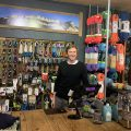 Markus Bendler im Geschäft, Foto:Markus Bendler I Climbers Paradise