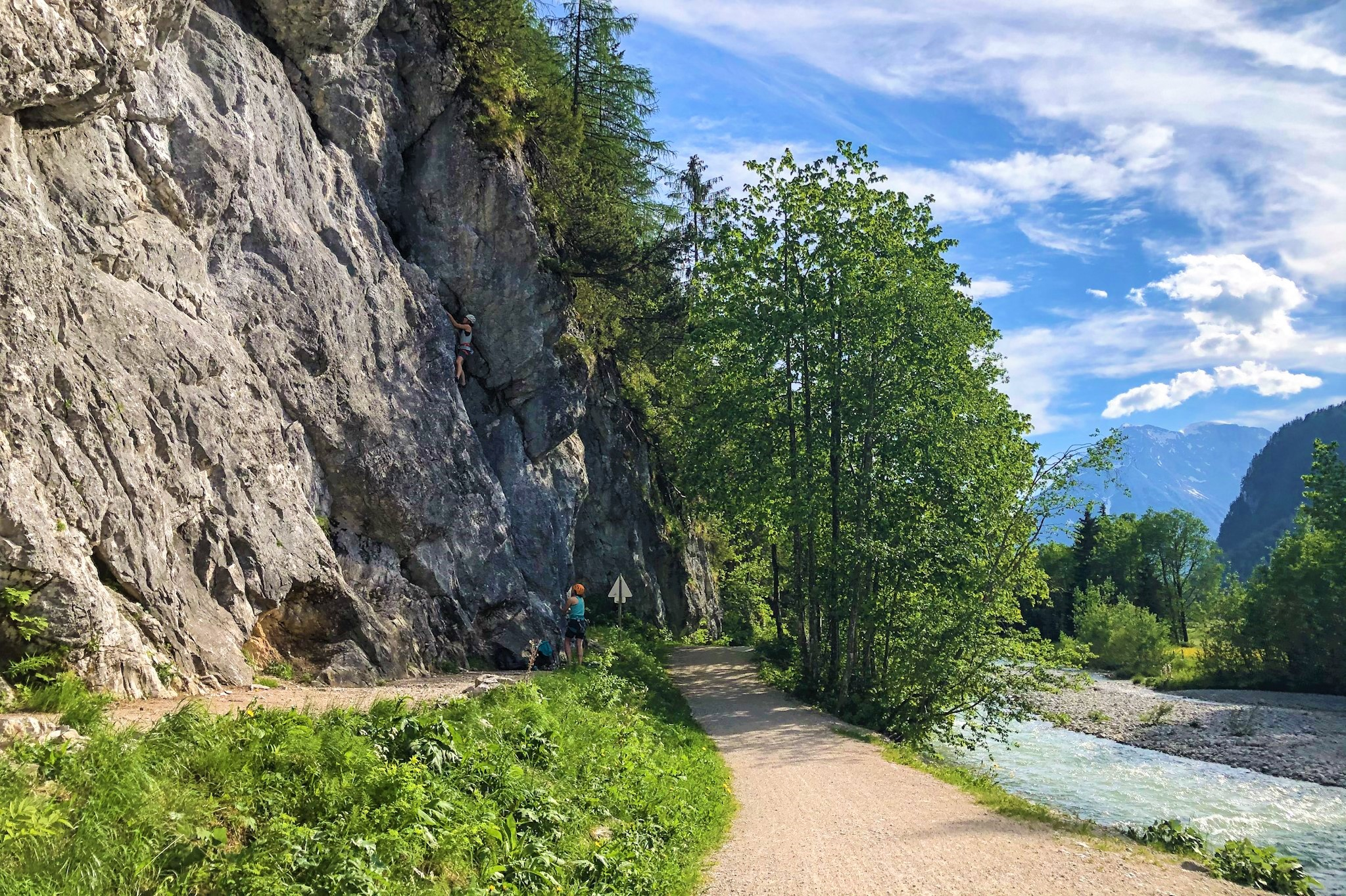 Flämenwandl-seefeld-klettern am Bach, Foto: Tessa Mellinger I Climbers Paradise