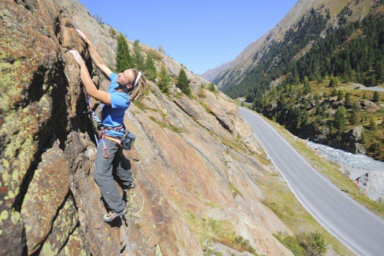 fernergriess klettern an Platten, Foto: Sepp Mallaun I Climbers Paradise