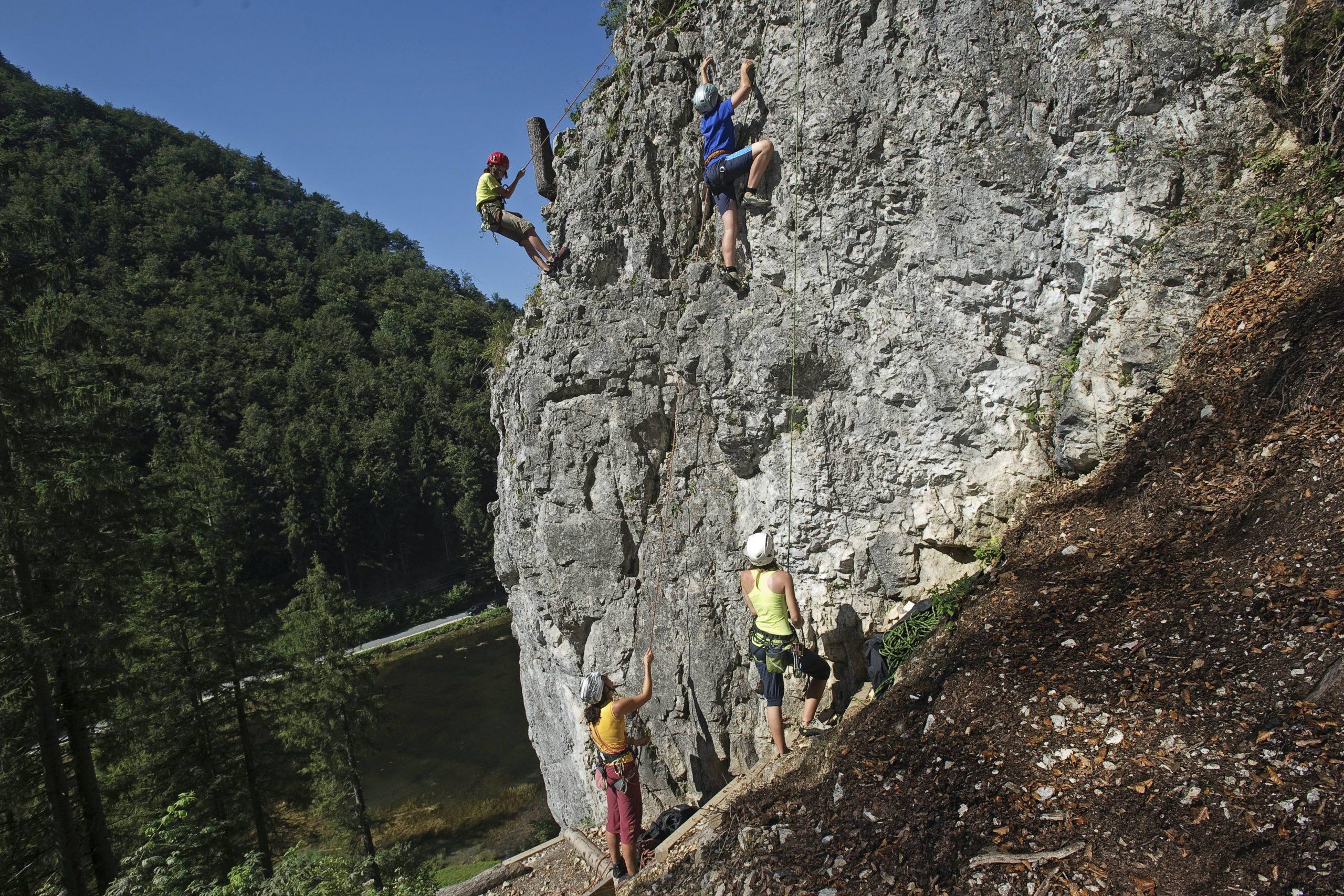 Wiesensee, Klettern über dem See, Foto: Jörg Mitter I Climbers Paradise