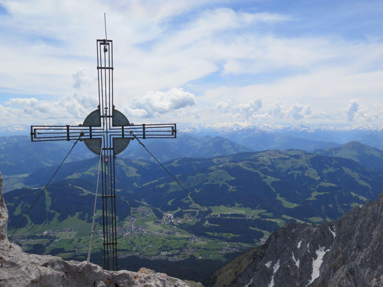 Ganz oben: Am Gipfel der Ellmauer Halt im Wilden Kaiser.